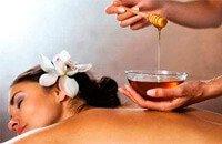 Массаж мёдом в бане